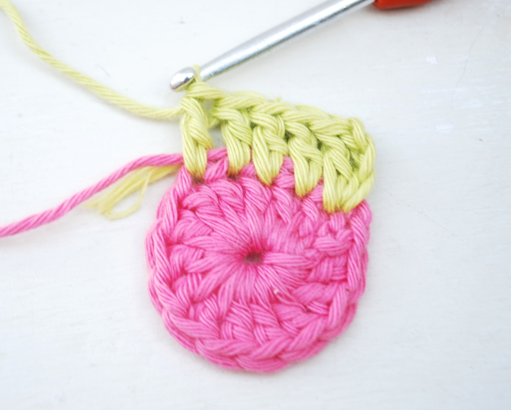 Work 1 treble crochet into the same stitch and then work 1 treble crochet into the next 4 stitches.