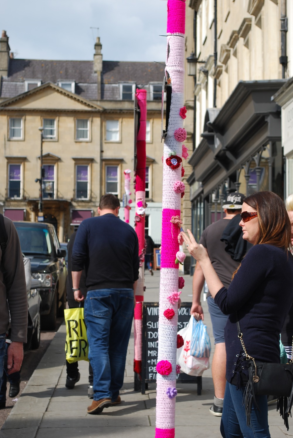 Bath In Fashion 2016 Yarn bomb lady interacting