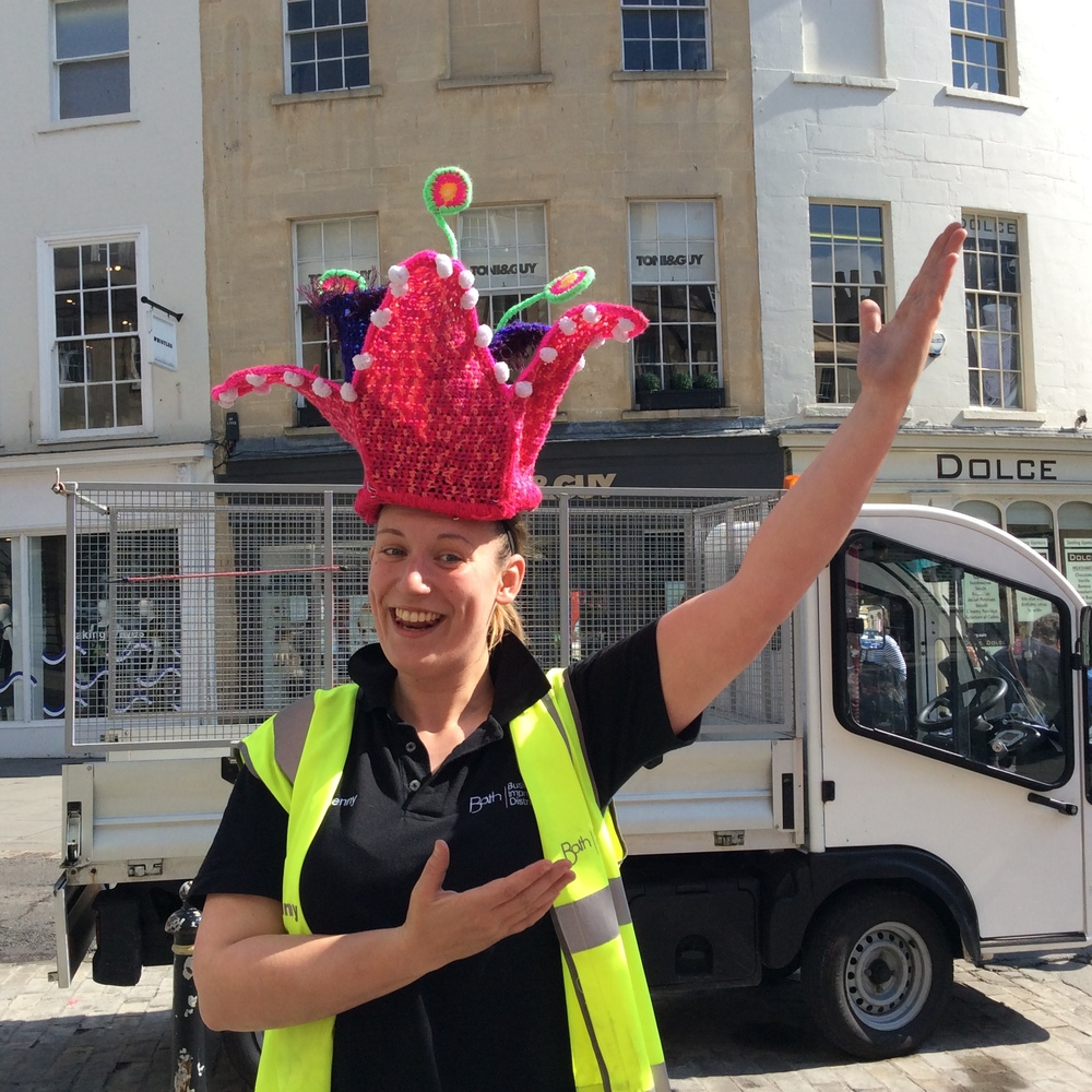 Bath in Fashion Yarnbomb BID help