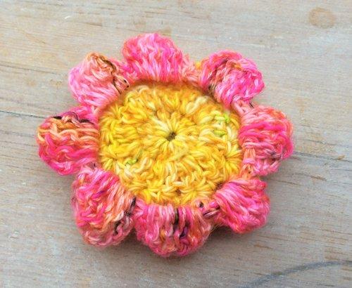 Large crochet peony flower pattern | Emma Leith