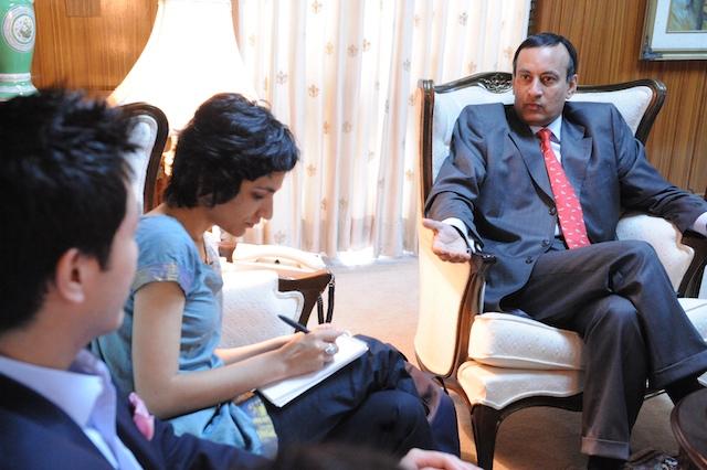 Husain Haqqani and Madiha Tahir 2.jpg