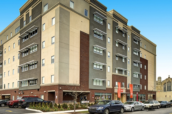 BLVD404 - Location: Syracuse, NYClient: BLVD Equities/Aptitude DevelopmentProject Size: 54 Units, 153 BedsSquare Footage:75,000Scopes:Flooring, Furniture, Cabinets, Countertops, and Appliances.Opening: August, 2016