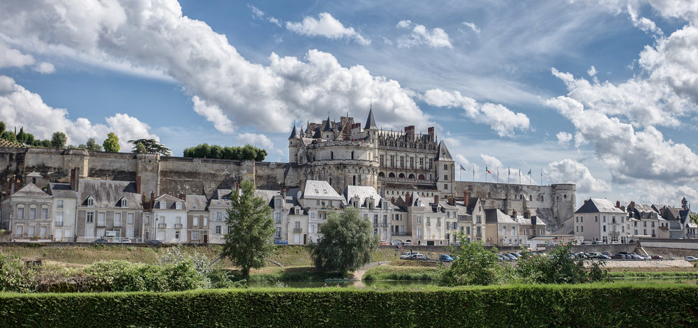Day 1 – The town of Amboise - A walking photography tour of the town. Amboise is a charming classic French town bathed in history. It is a photographer's dream.Dinner.