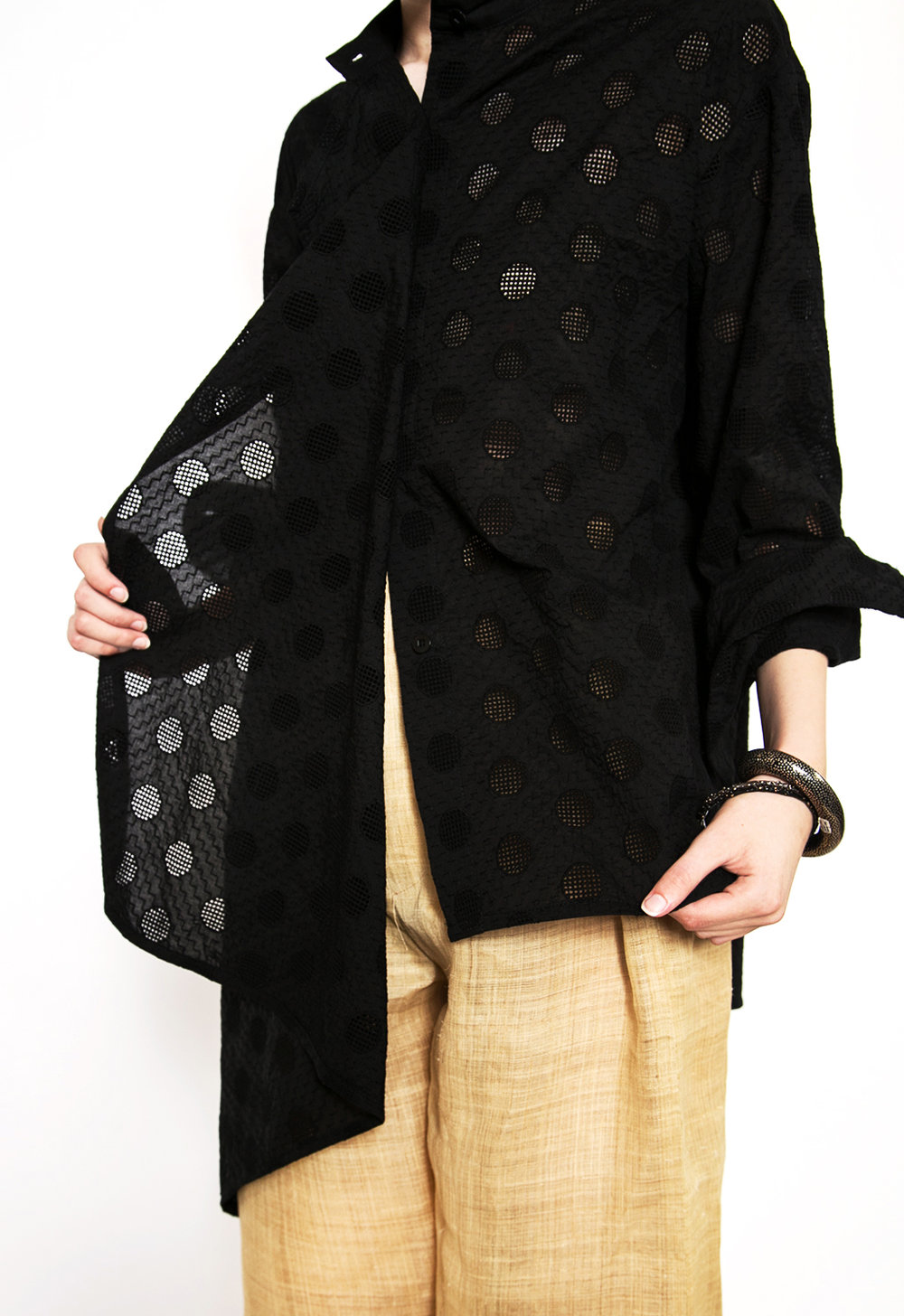 Our Tilt Blouse in Nuno Black Grill Plates