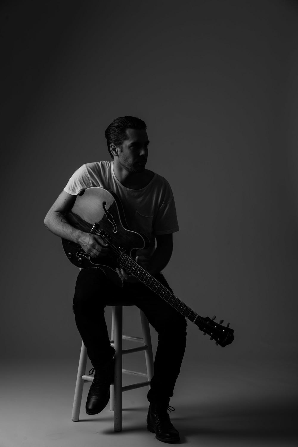 1604011 Eastman Guitar-11406.jpg