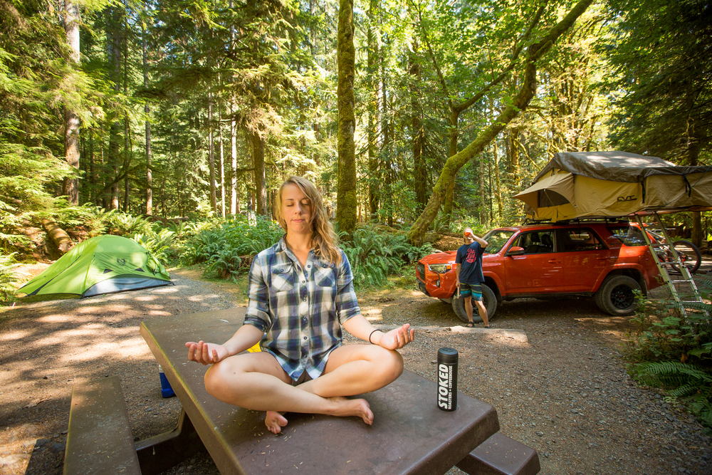 explore-hood-canal-outdoor-yoga-lake-cushman