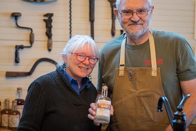 explore-hood-canal-tasters-hardware-distillery.jpg