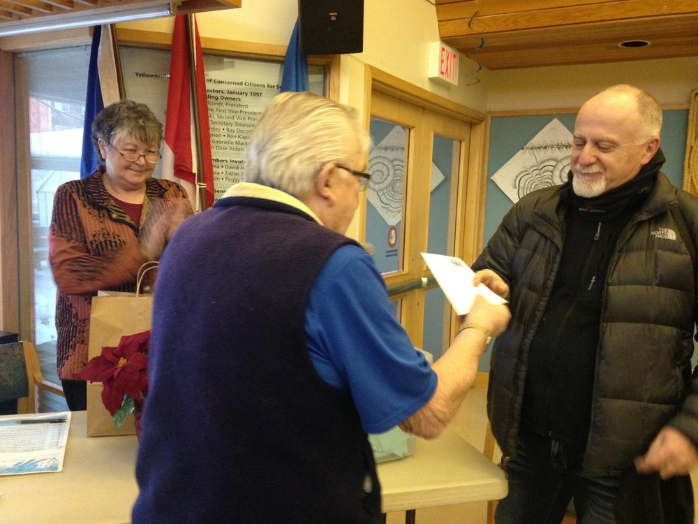 Raffle draw winner Mark Hicks.jpg