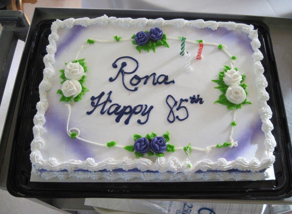 ronas cake.jpg