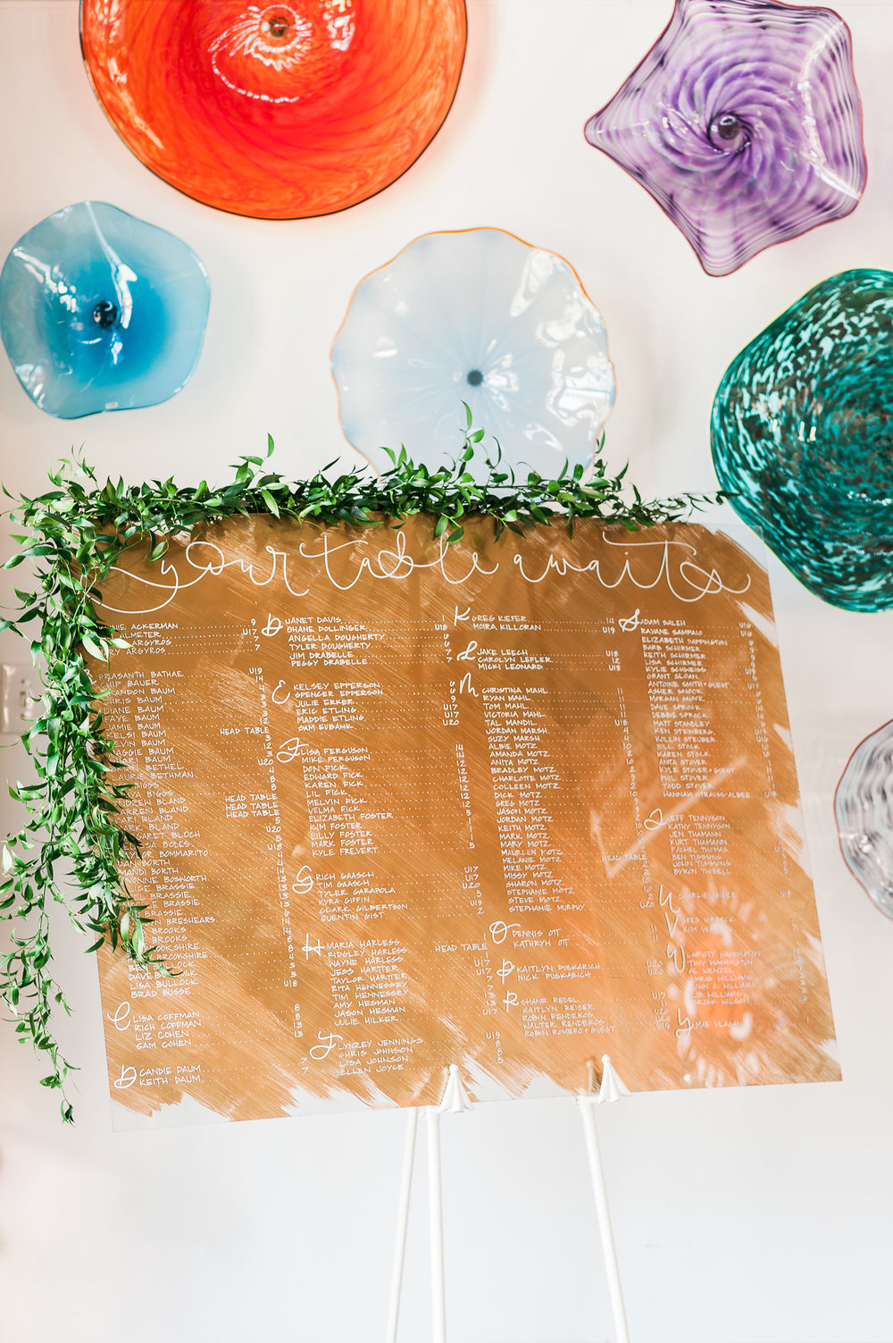 Vail lettering on acrylic seating chart, Photo by Choice Jade Photography