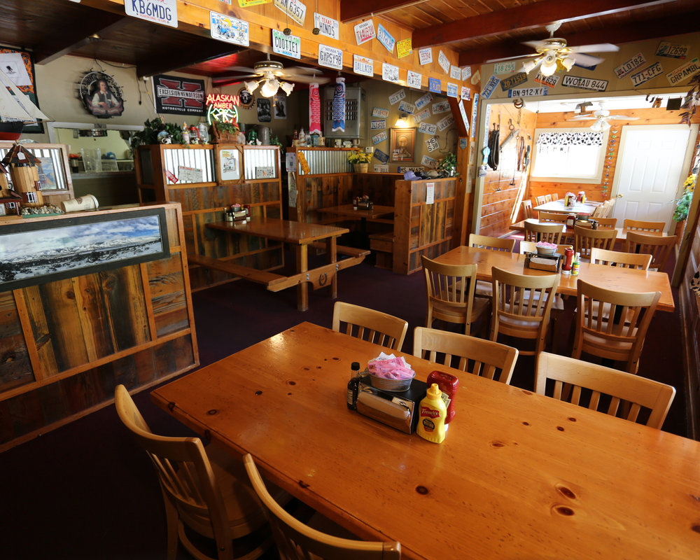 - The world famous Mountain View Barbeque is the place to stop for lunch or dinner. Also known as the