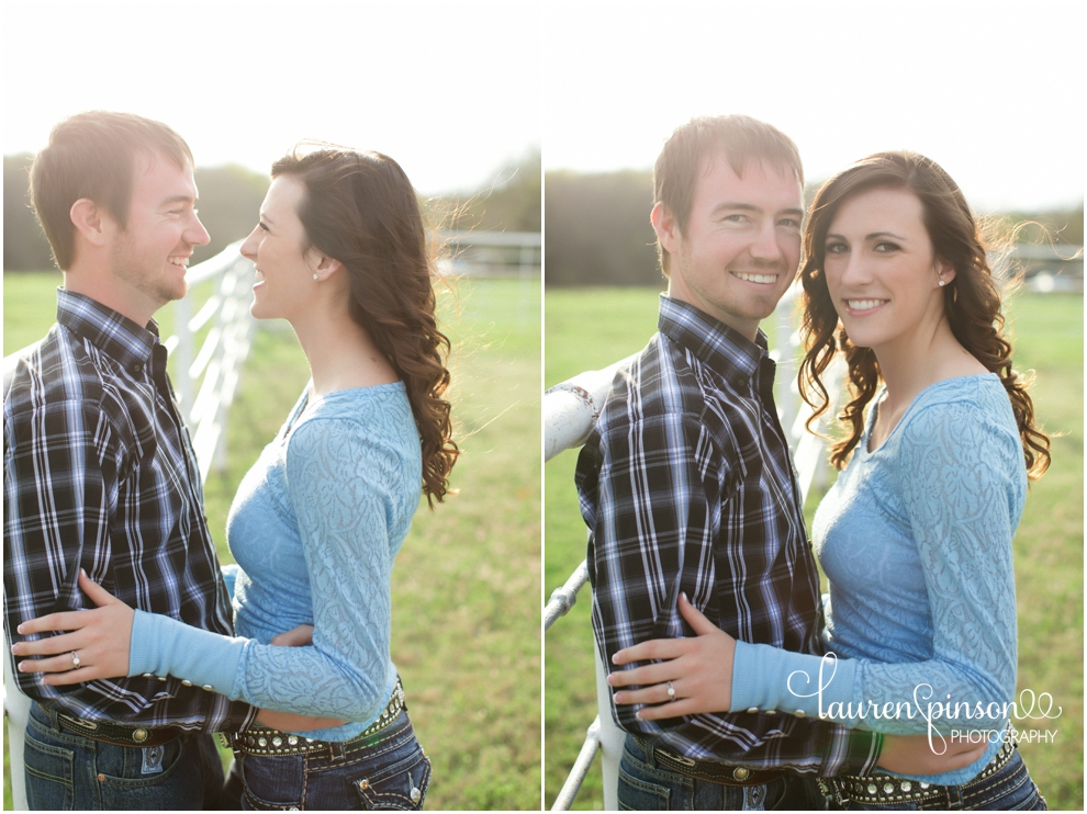 sherman-texas-wedding-and-engagment-photographer-gainesville-engagement-photos-by-lauren-pinson-photography-in-a-rustic-barn-and-country-field_0024.jpg
