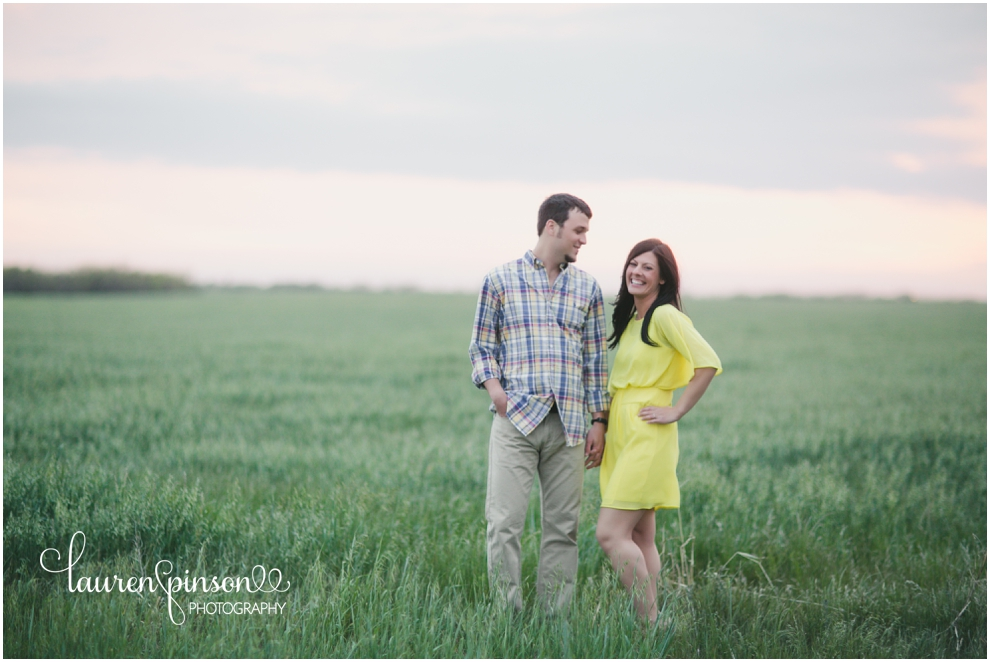 wichita-falls-engagement-photographs-wedding-photographer-lauren-pinson-photography-outdoor-wheat-field_0065.jpg