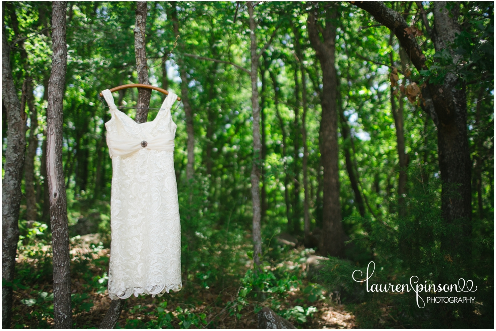diy-gainesville-texas-wedding-at-7-wheel-ranch-near-sherman-texas-lace-rustic-by-lauren-pinson-photography_0186.jpg