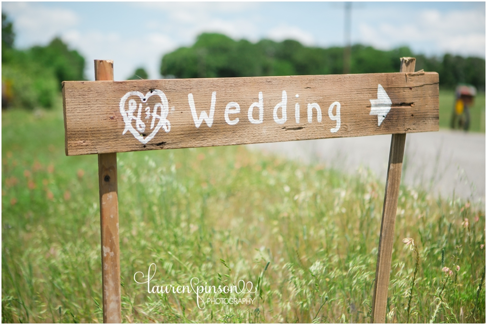 diy-gainesville-texas-wedding-at-7-wheel-ranch-near-sherman-texas-lace-rustic-by-lauren-pinson-photography_0188.jpg