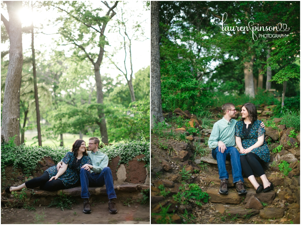 denton-texas-engagments-on-the-square-and-at-the-little-chapel-in-the-woods-at-twu-by-denton-texas-wedding-photographer-lauren-pinson_0236.jpg
