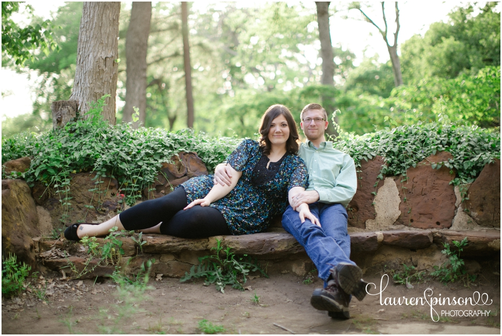 denton-texas-engagments-on-the-square-and-at-the-little-chapel-in-the-woods-at-twu-by-denton-texas-wedding-photographer-lauren-pinson_0237.jpg