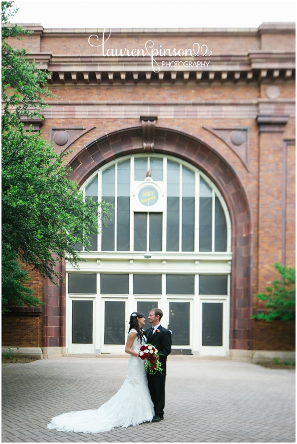 denison-texas-wedding-at-the-katy-depot-moms-bakery-red-lace-by-north-texas-wedding-photographer-in-june_0152.jpg