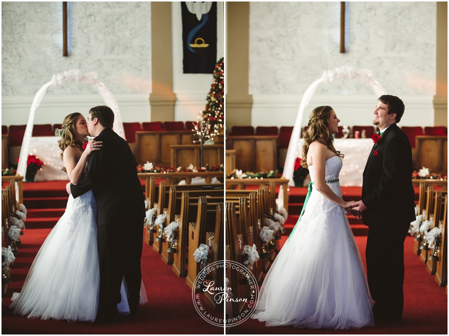 wichita-falls-country-club-christmas-wedding-burkburnett-methodist-church-red-green-first-look-brad-and-heather-wedding-photography_0402.jpg