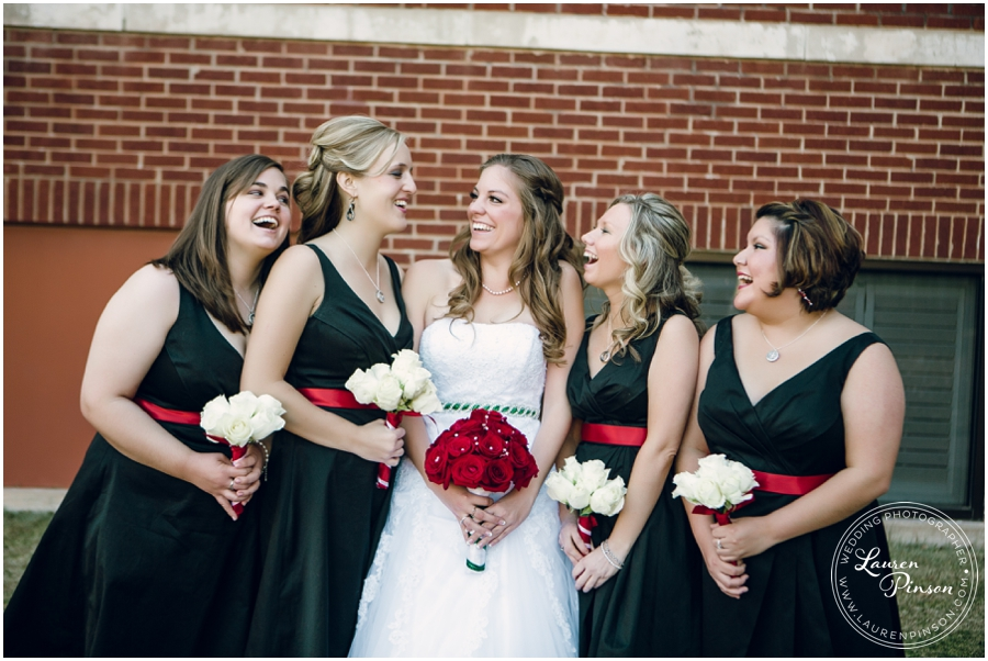 wichita-falls-country-club-christmas-wedding-burkburnett-methodist-church-red-green-first-look-brad-and-heather-wedding-photography_0409.jpg