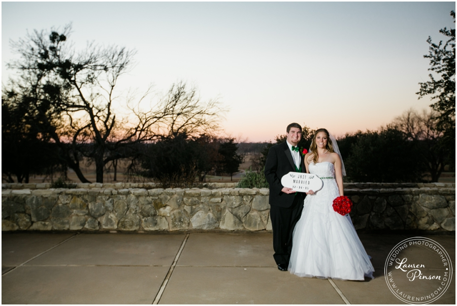 wichita-falls-country-club-christmas-wedding-burkburnett-methodist-church-red-green-first-look-brad-and-heather-wedding-photography_0420.jpg