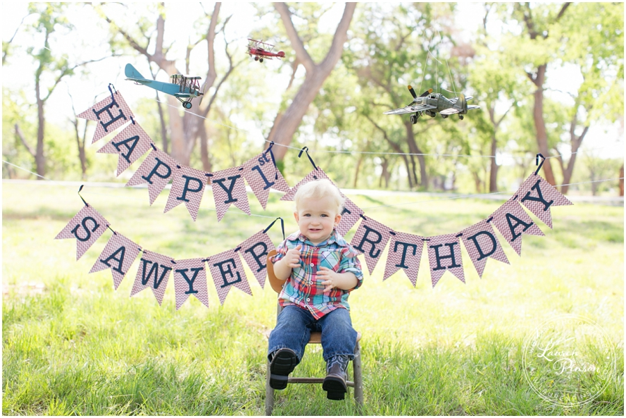 wichita-falls-portrait-photographer-1-year-1st-birthday-cake-smash-baby-session_0001.jpg