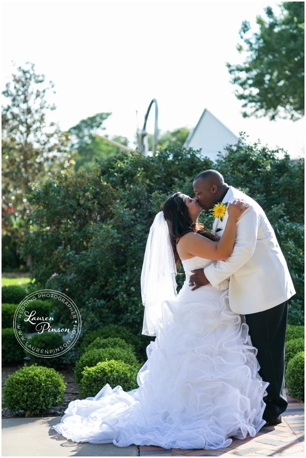 denton-texas-wedding-photography-little-chapel-in-the-woods-at-twu-denton-texas-wedding_0120.jpg