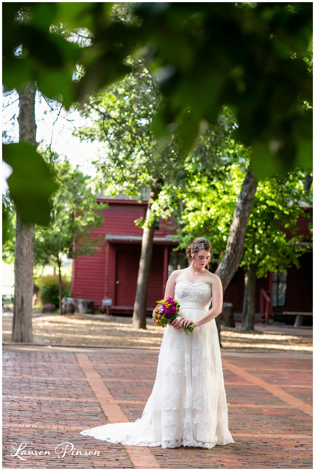 chestnut-square-downtown-mckinney-texas-wedding-photographer-sherman-northtexas-bridal-portraits-photography_0211.jpg