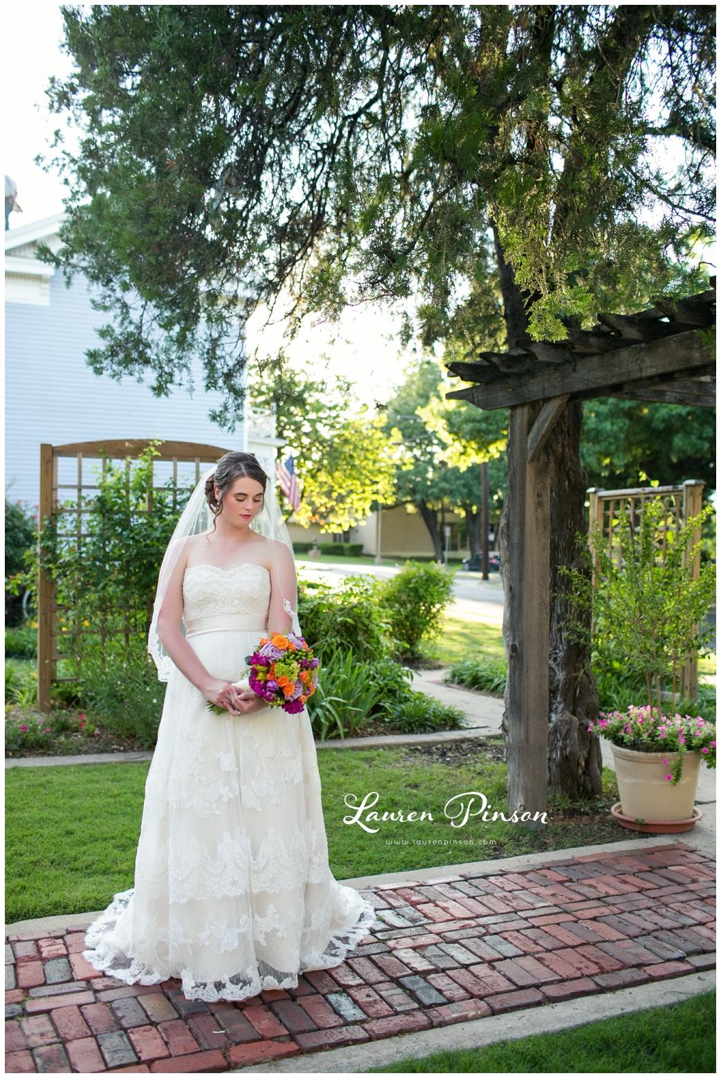 chestnut-square-downtown-mckinney-texas-wedding-photographer-sherman-northtexas-bridal-portraits-photography_0221.jpg