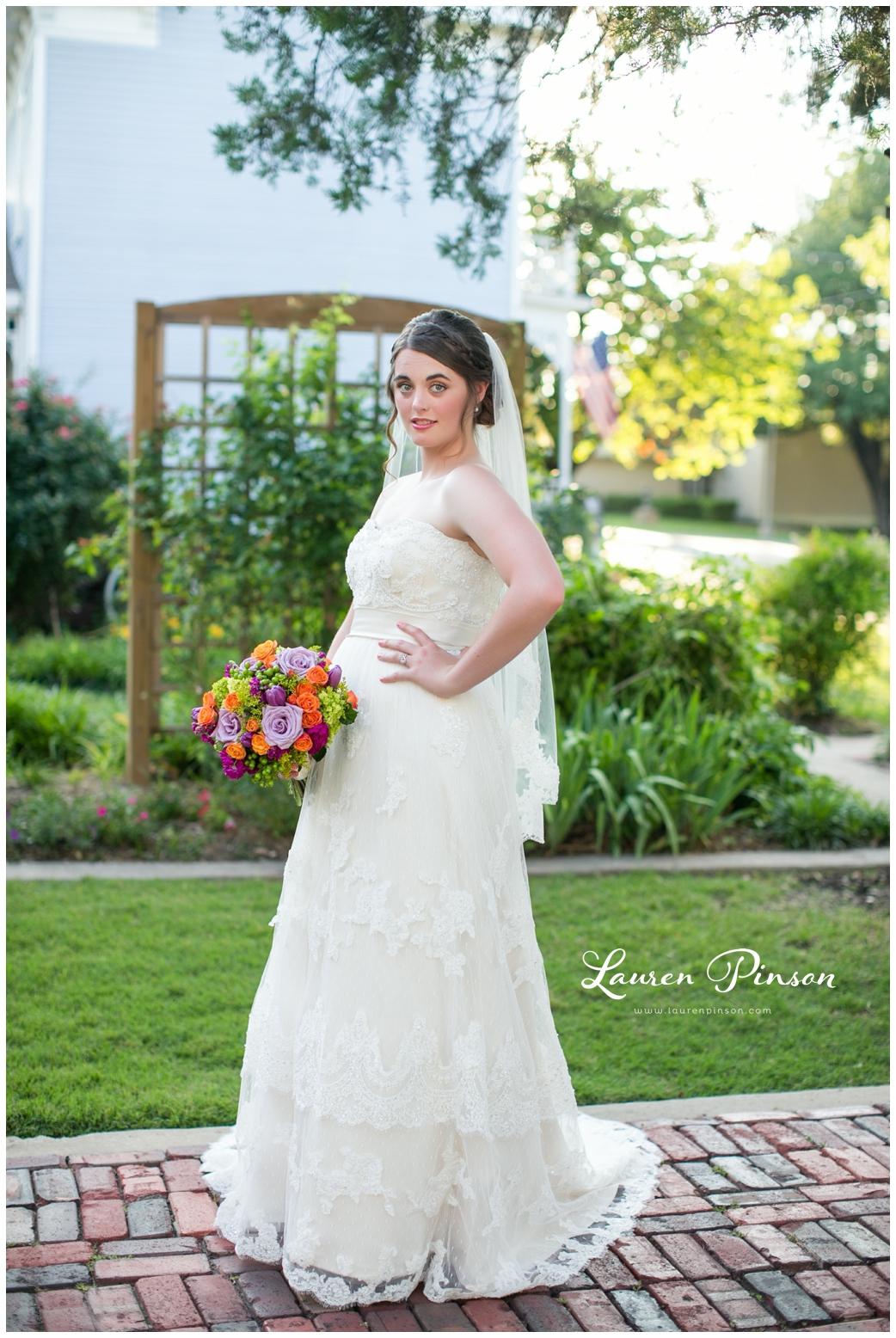 chestnut-square-downtown-mckinney-texas-wedding-photographer-sherman-northtexas-bridal-portraits-photography_0220.jpg
