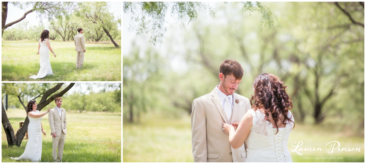 wichita-falls-coyote-ranch-resort-wedding-texas-photography-family-ceremony-balloons-rustic-lace_0310.jpg