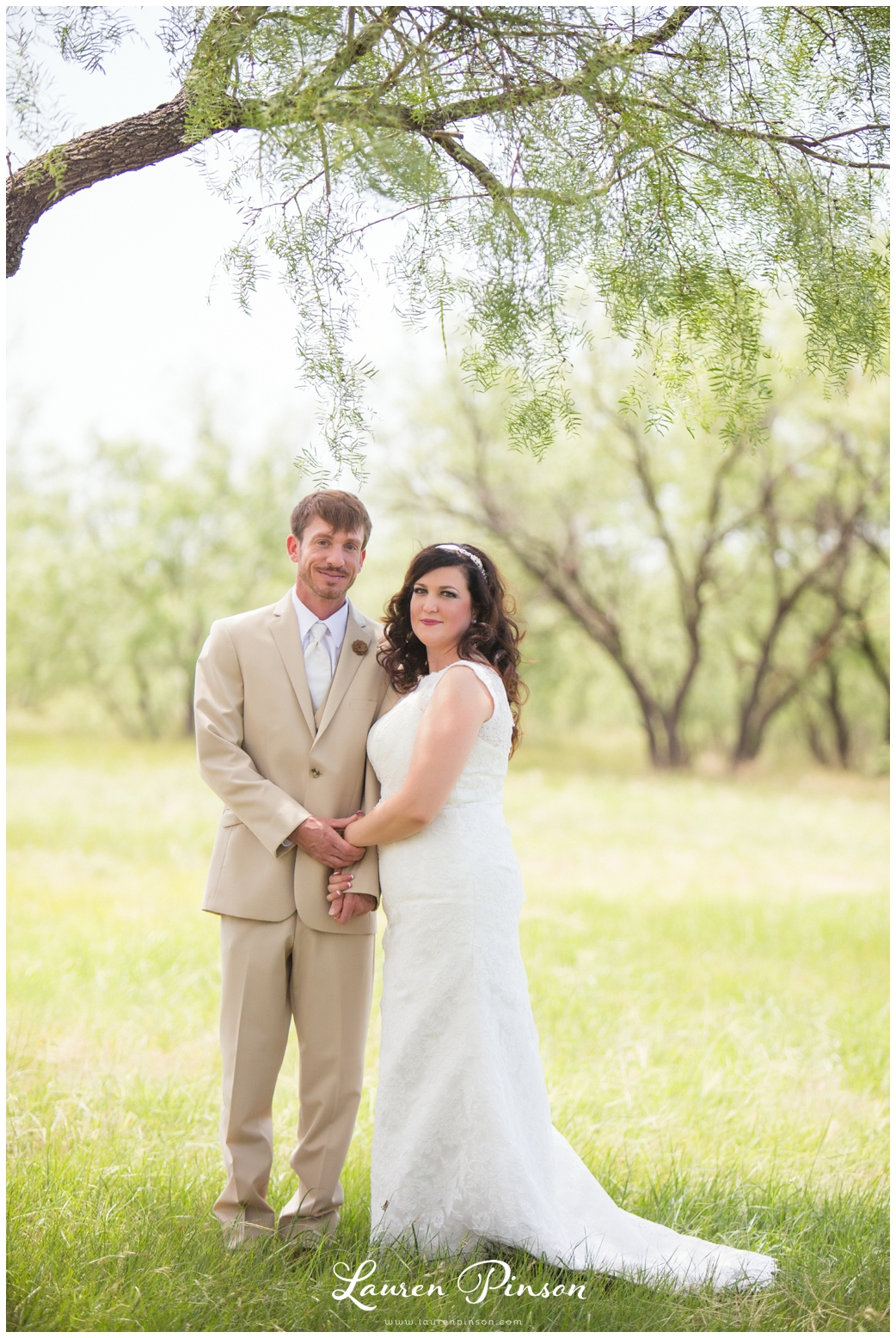 wichita-falls-coyote-ranch-resort-wedding-texas-photography-family-ceremony-balloons-rustic-lace_0311.jpg