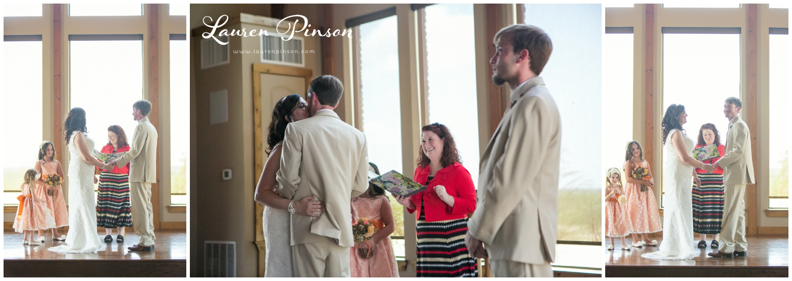 wichita-falls-coyote-ranch-resort-wedding-texas-photography-family-ceremony-balloons-rustic-lace_0333.jpg