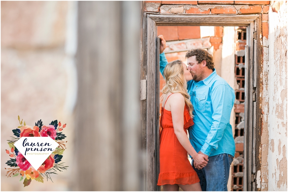 wichita-falls-wedding-photographer-engagement-session-texas-photography-oklahoma-engagement-wedding-photography_0639.jpg