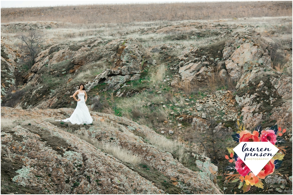 wichita-falls-wedding-photographer-oklahoma-wichita-mountains-bridal-session-bridals-photography_0685.jpg