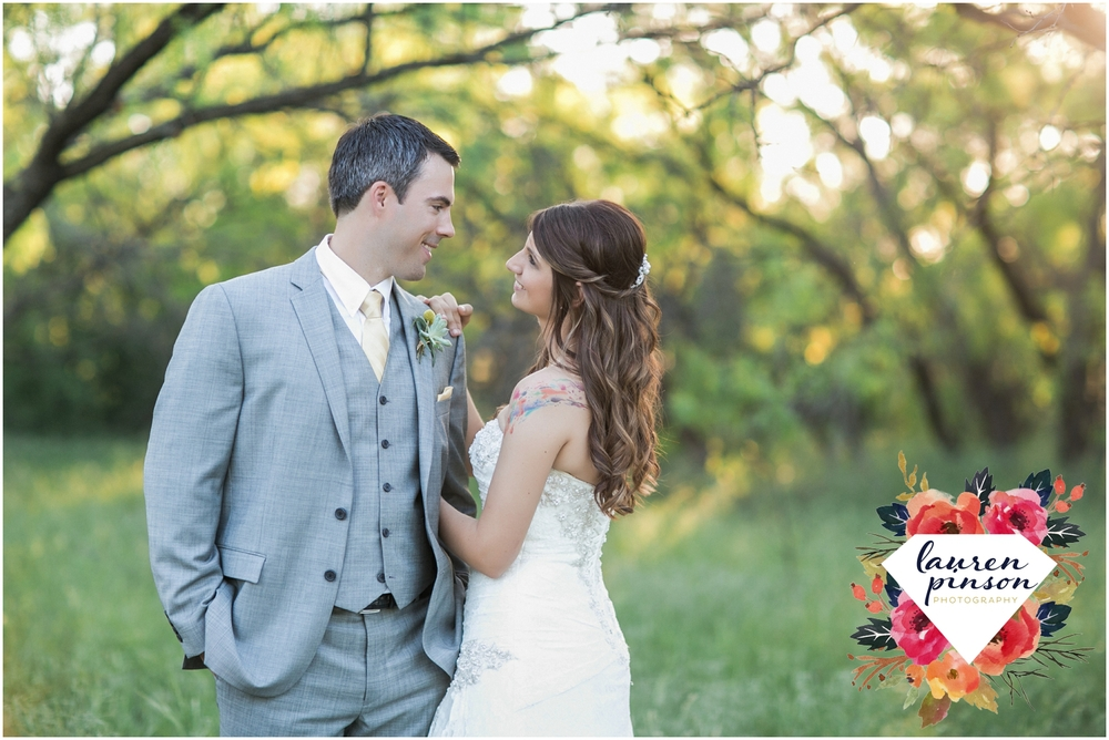 wichita-falls-wedding-photographer-oklahoma-wichita-mountains-bridal-session-bridals-photography_0767.jpg