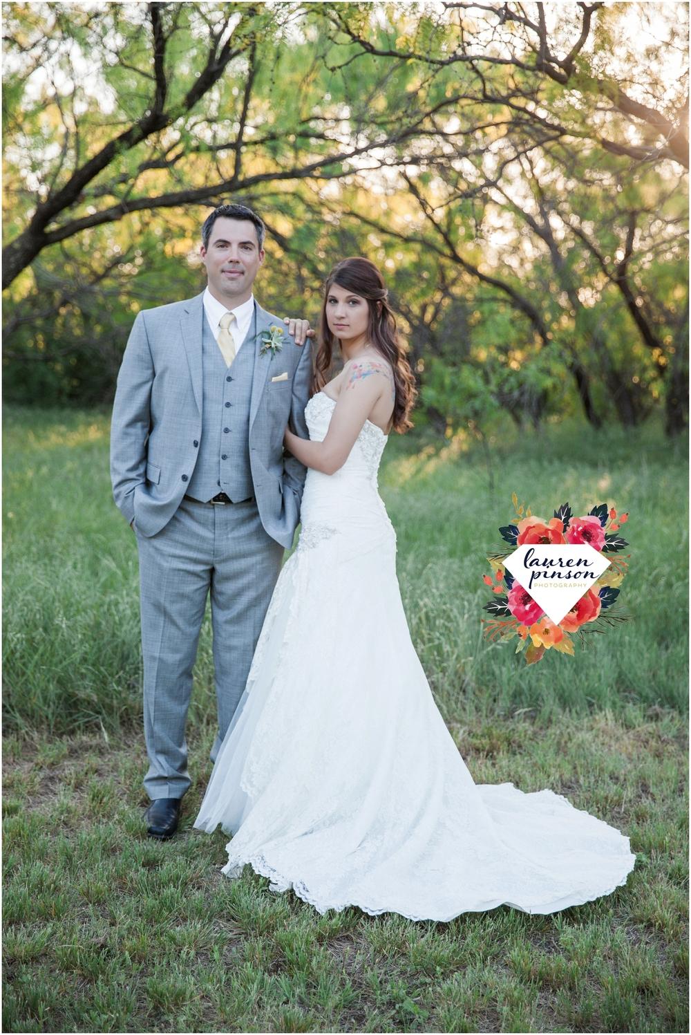 wichita-falls-wedding-photographer-oklahoma-wichita-mountains-bridal-session-bridals-photography_0765.jpg