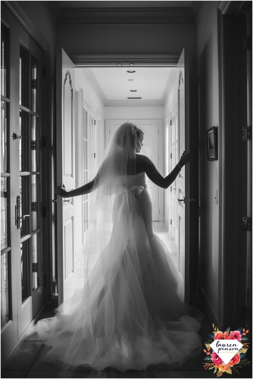 wichita-falls-wedding-photographer-kemp-center-at-the-forum-photography_0986.jpg