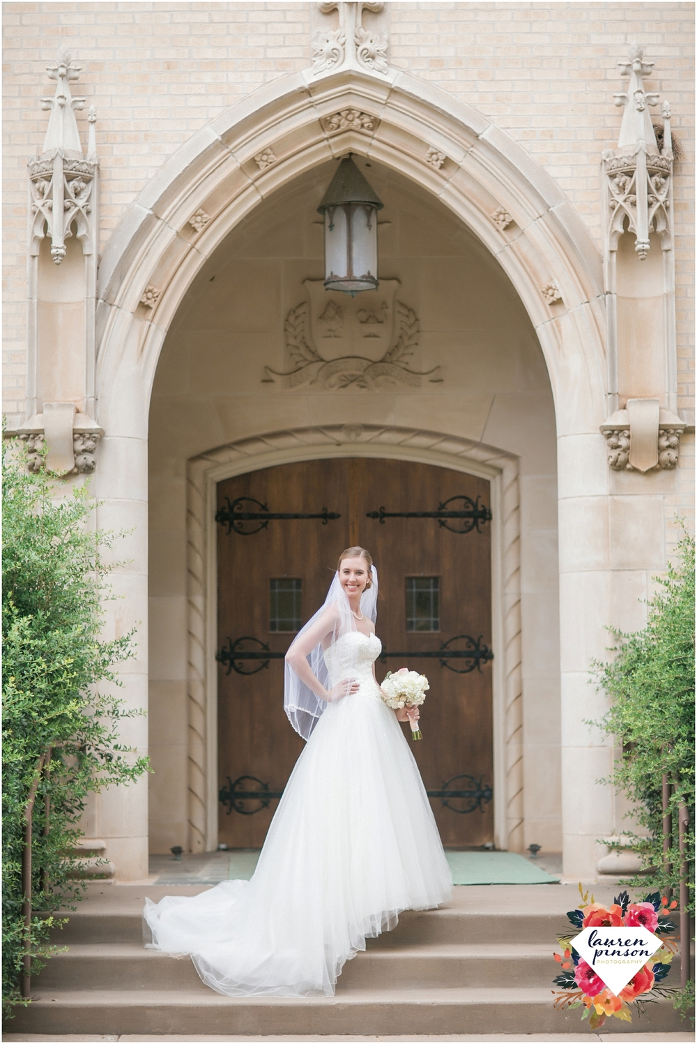 wichita-falls-wedding-photography-at-fain-presbyterian-church-and-the-wellington-timeless-classic-modern-photographer_1125.jpg