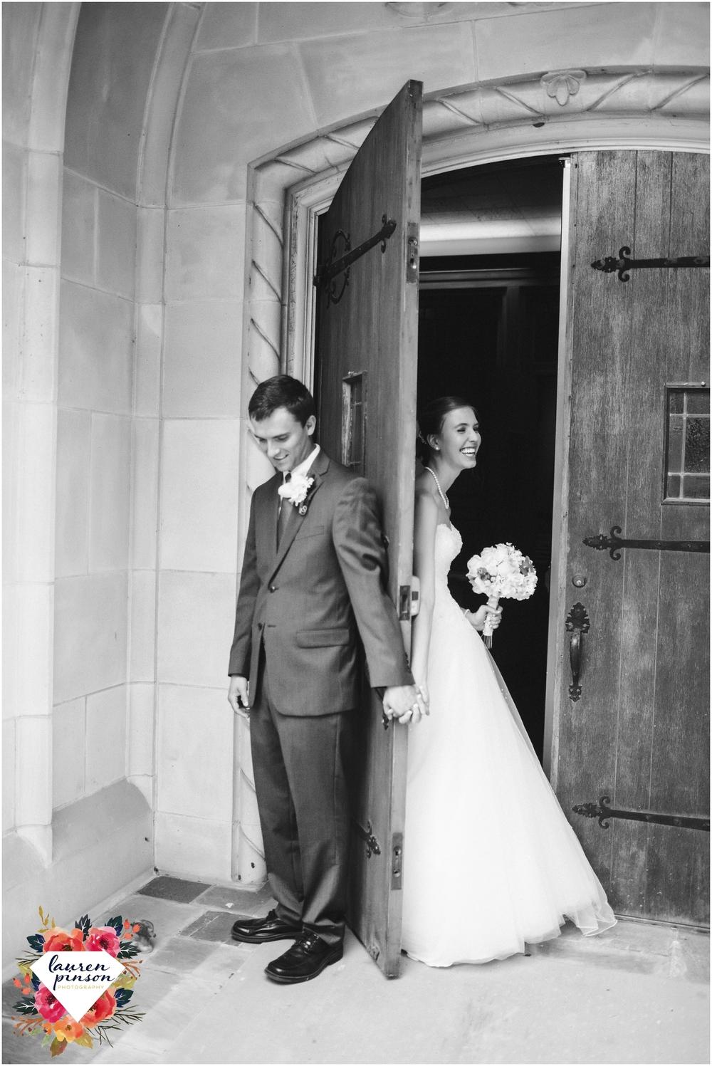 wichita-falls-wedding-photography-at-fain-presbyterian-church-and-the-wellington-timeless-classic-modern-photographer_1128.jpg