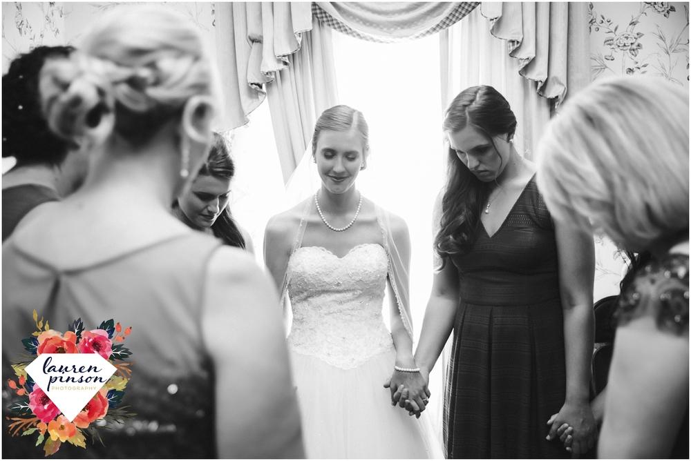 wichita-falls-wedding-photography-at-fain-presbyterian-church-and-the-wellington-timeless-classic-modern-photographer_1129.jpg