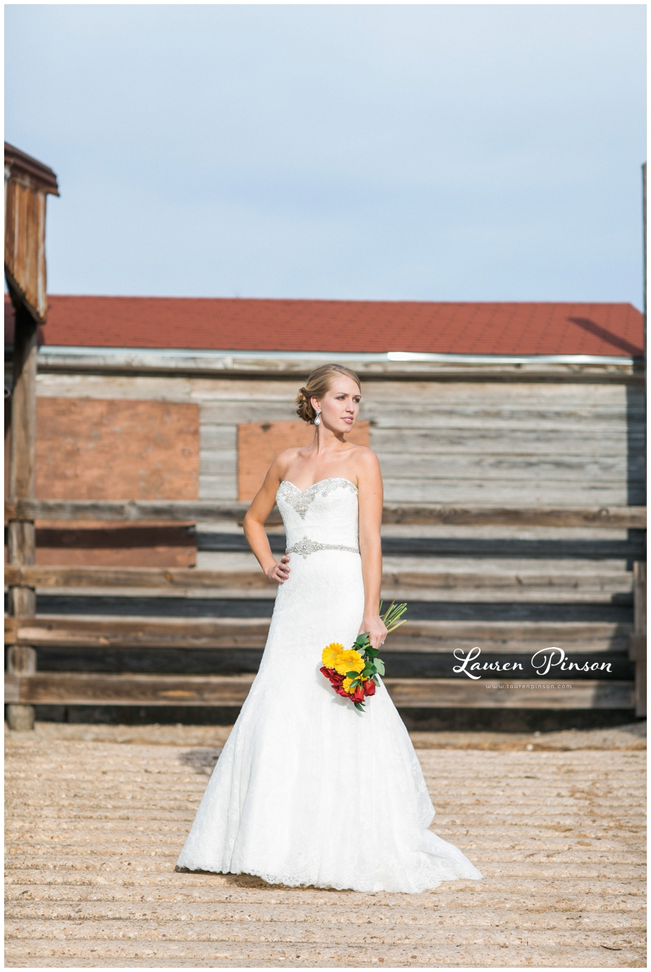 fort-worth-bridal-session-at-the-stockyards-fort-worth-wedding-photographer-wichita-falls-wedding-photographer_1321.jpg