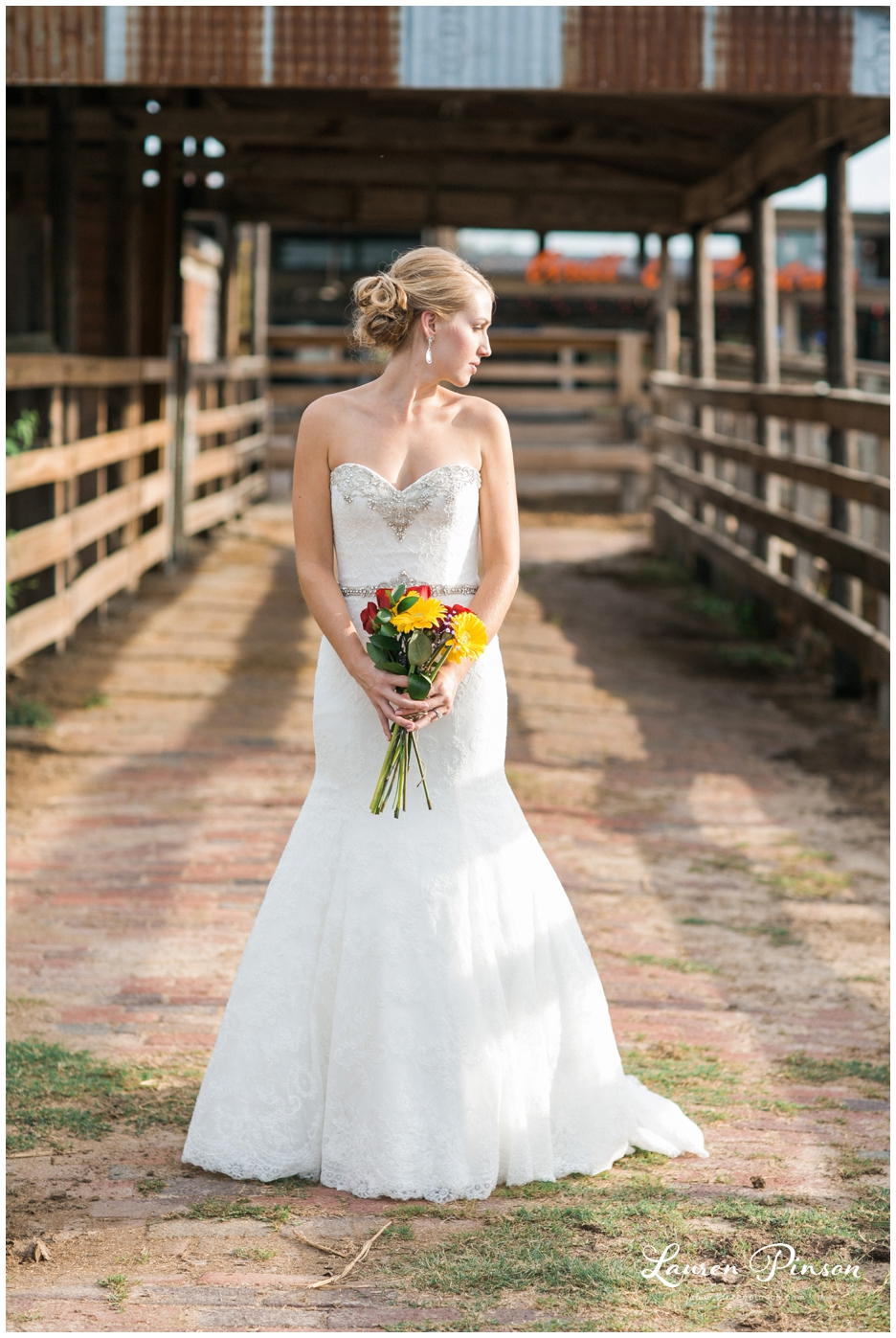 fort-worth-bridal-session-at-the-stockyards-fort-worth-wedding-photographer-wichita-falls-wedding-photographer_1322.jpg