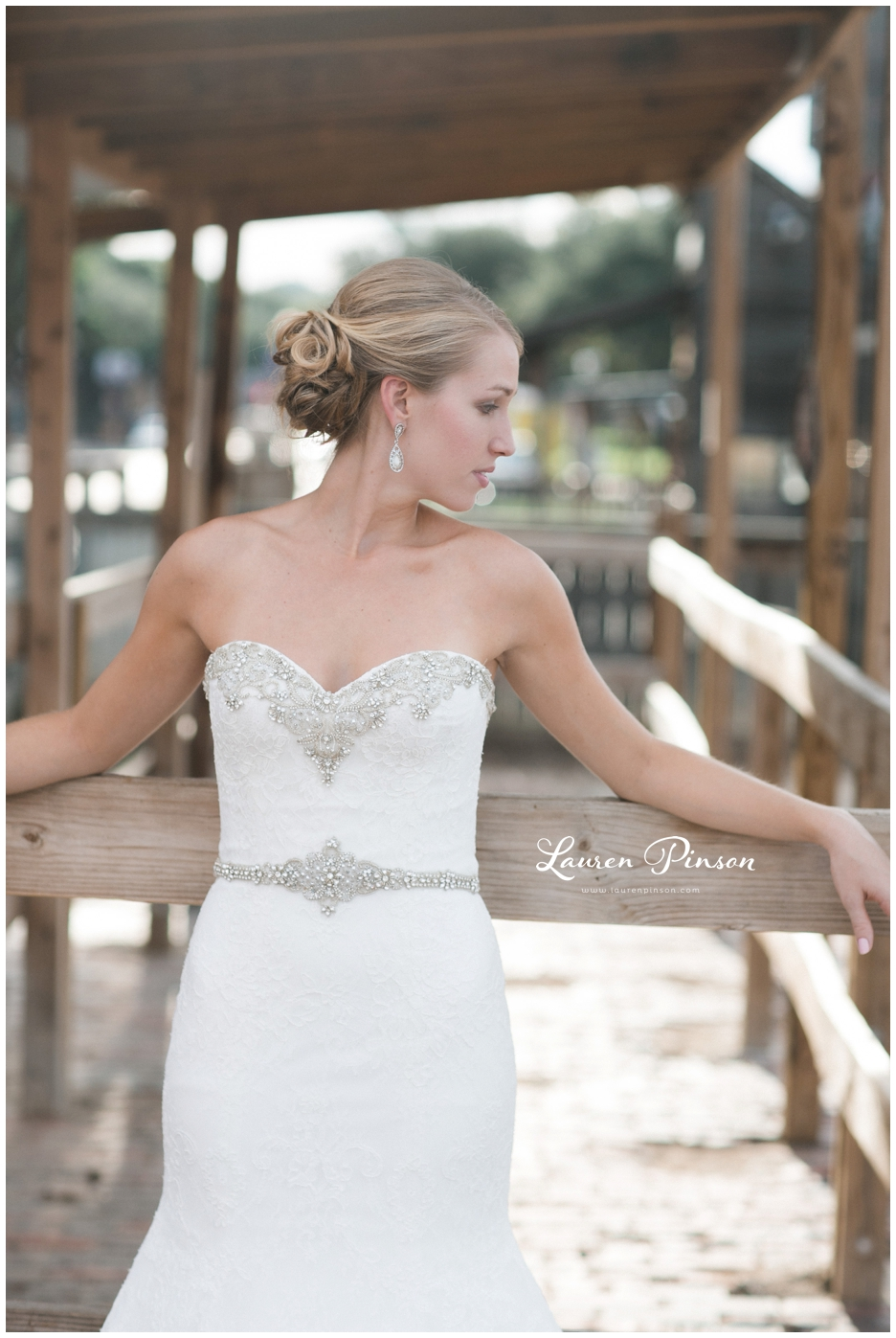 fort-worth-bridal-session-at-the-stockyards-fort-worth-wedding-photographer-wichita-falls-wedding-photographer_1323.jpg