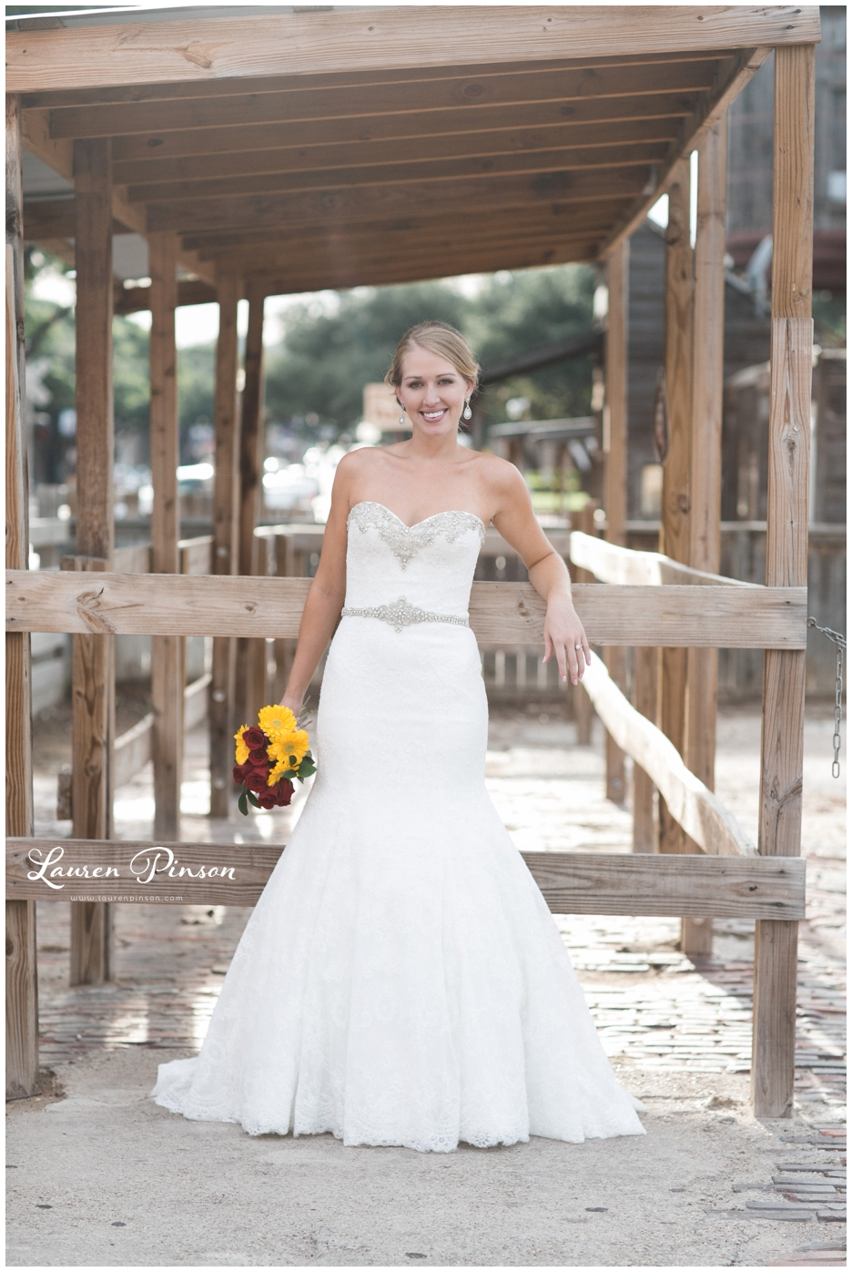fort-worth-bridal-session-at-the-stockyards-fort-worth-wedding-photographer-wichita-falls-wedding-photographer_1325.jpg