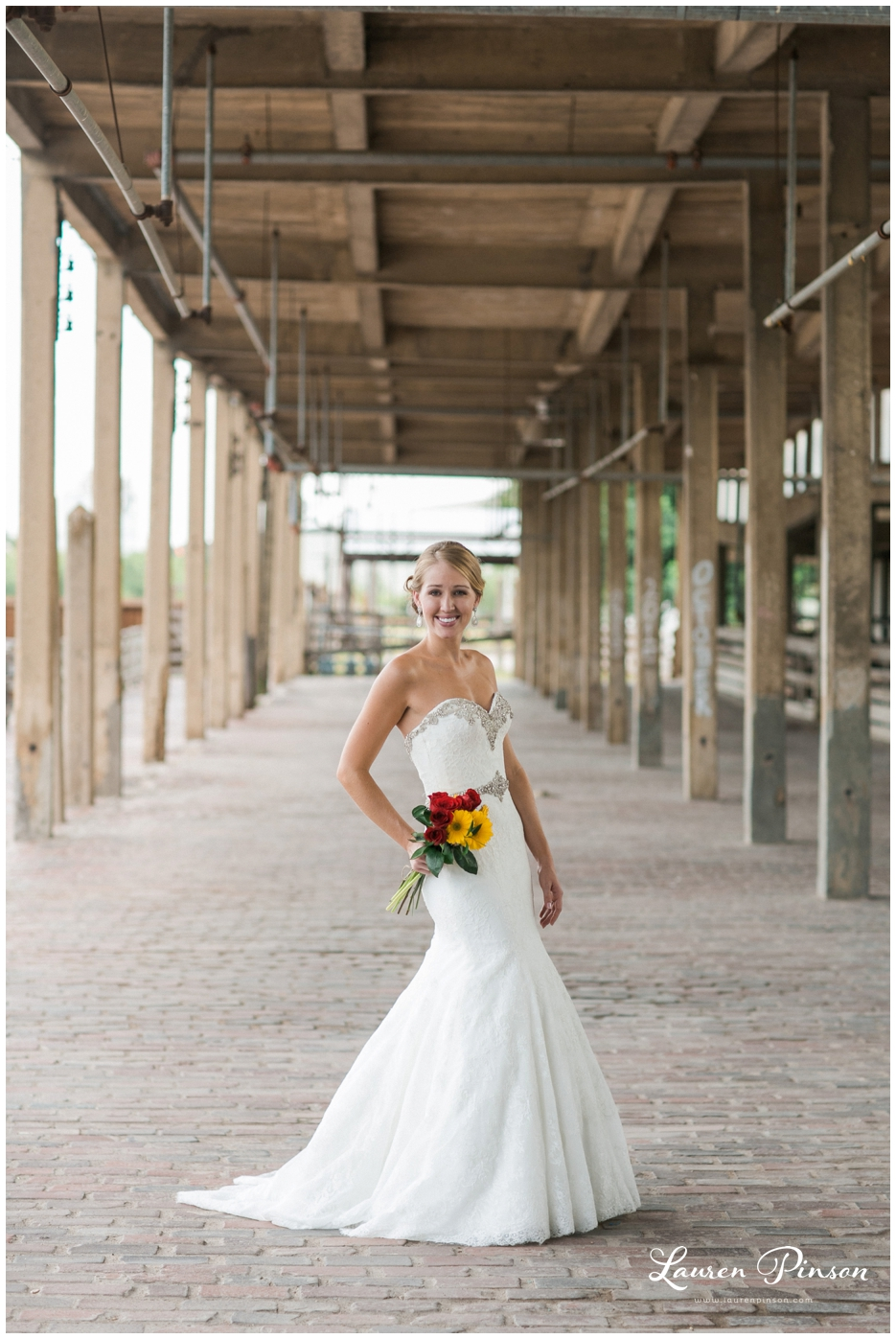fort-worth-bridal-session-at-the-stockyards-fort-worth-wedding-photographer-wichita-falls-wedding-photographer_1328.jpg