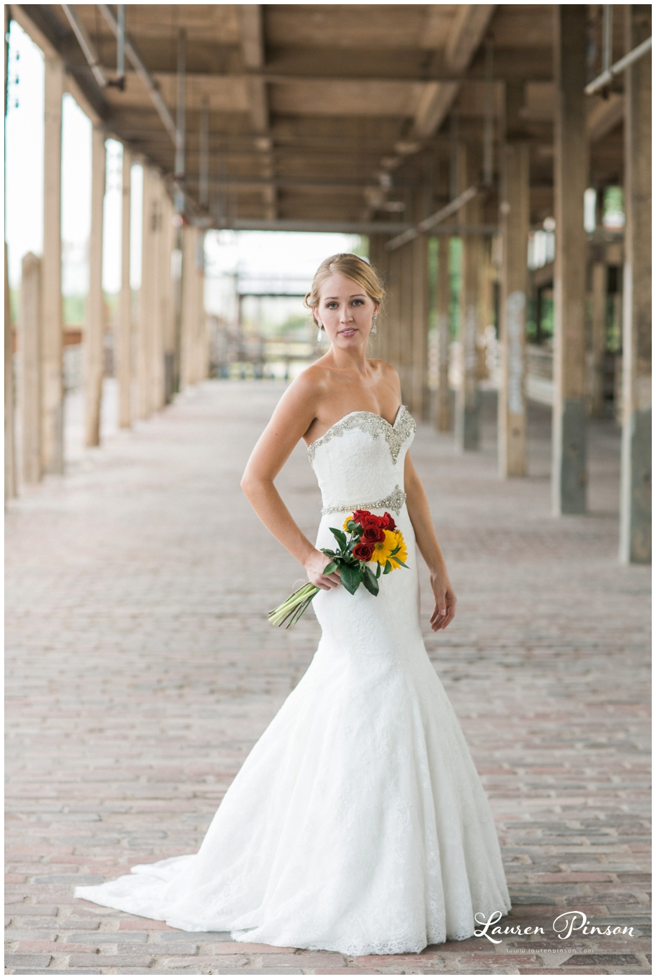 fort-worth-bridal-session-at-the-stockyards-fort-worth-wedding-photographer-wichita-falls-wedding-photographer_1329.jpg
