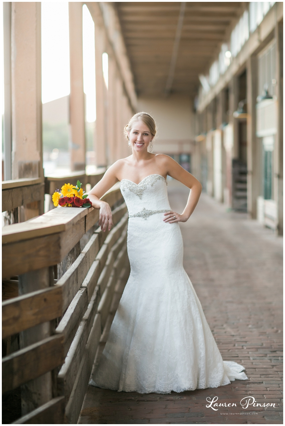 fort-worth-bridal-session-at-the-stockyards-fort-worth-wedding-photographer-wichita-falls-wedding-photographer_1332.jpg