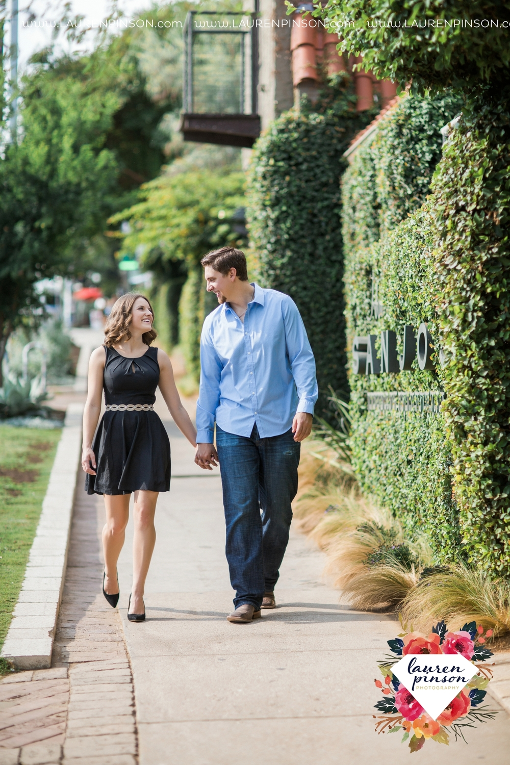 austin-texas-engagement-session-photography-by-wichita-falls-wedding-photgraphy-lauren-pinson_1392.jpg