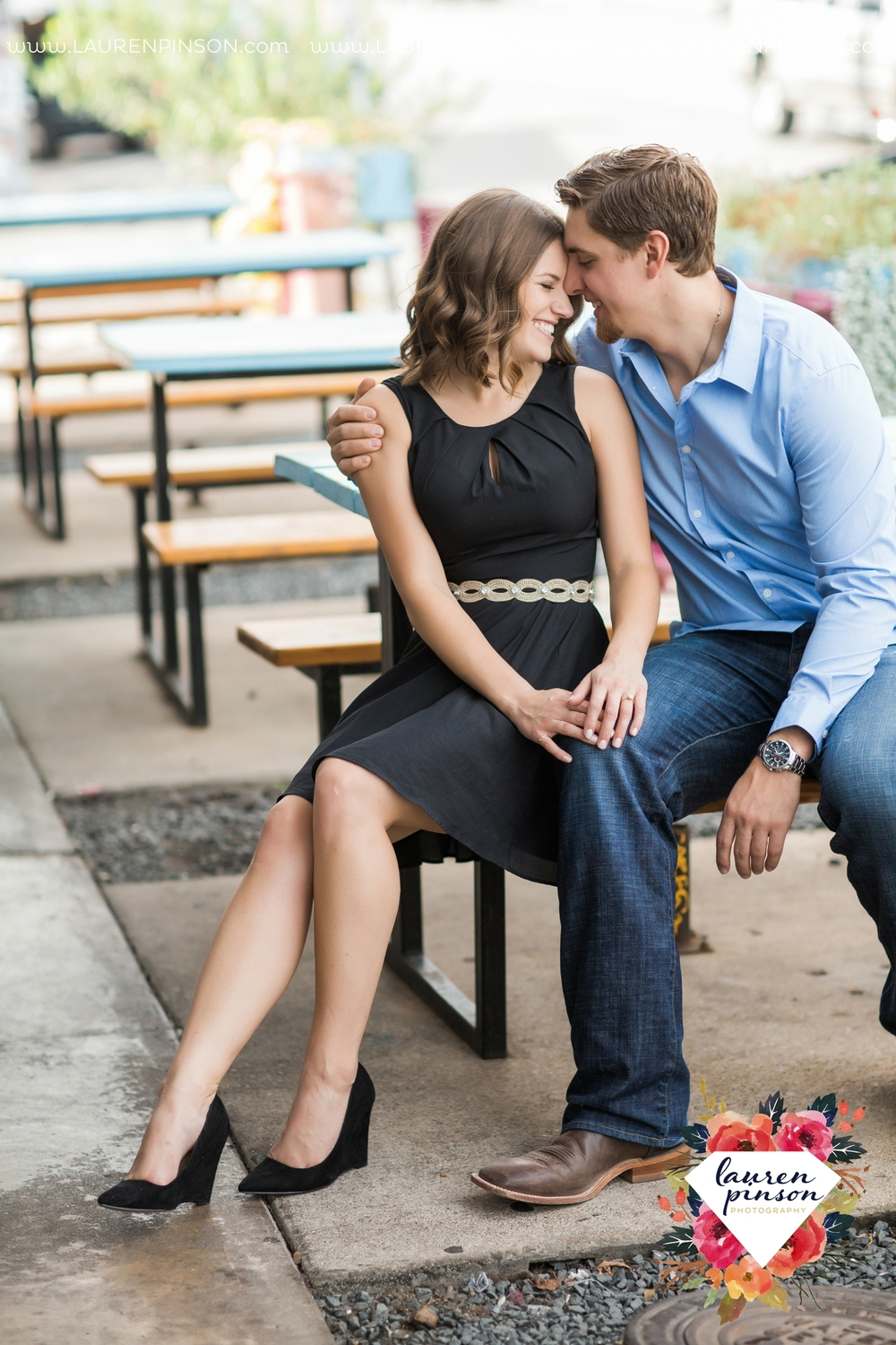 austin-texas-engagement-session-photography-by-wichita-falls-wedding-photgraphy-lauren-pinson_1394.jpg
